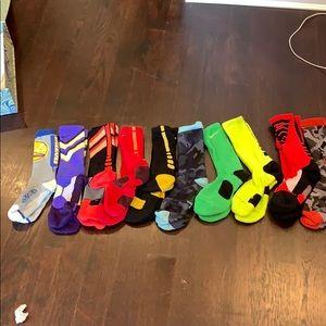 Boys LOT of 10 pairs of Nike SOCKS med & large